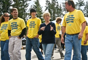 SHH Sen Murray Walks at Kipsap Event